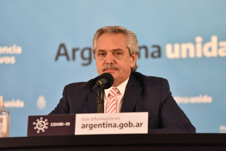 Alberto Fernández anunció que la vacuna de Oxford contra el coronavirus producida por la Argentina estará lista el primer semestre del 2021