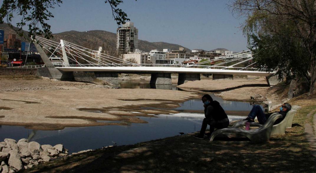Por falta de lluvias, así luce el cauce del río San Antonio en Villa Carlos Paz