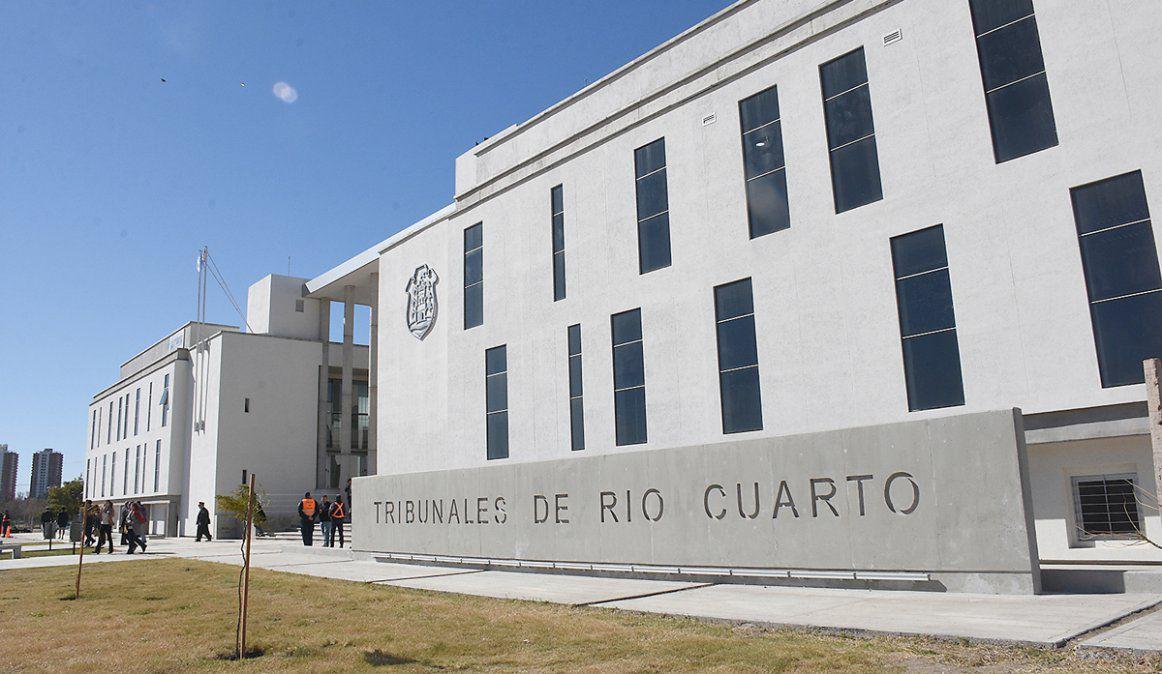 Río Cuarto: Convocan a interesados en adoptar a  adolescente que vive en un hogar de niños