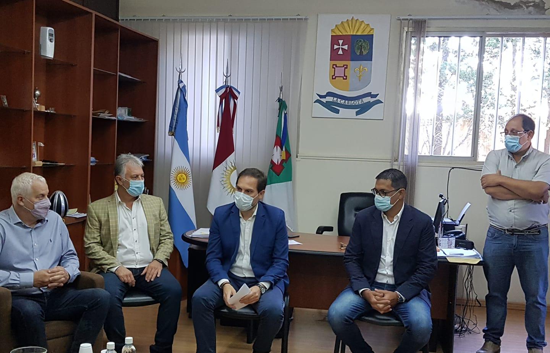 El secretario de Obras Públicas de la Nación firmó convenios en La Carlota