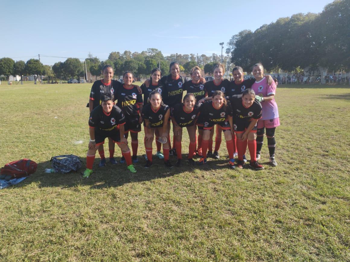 Fútbol Femenino: Victoria chaqueña en Los Cisnes