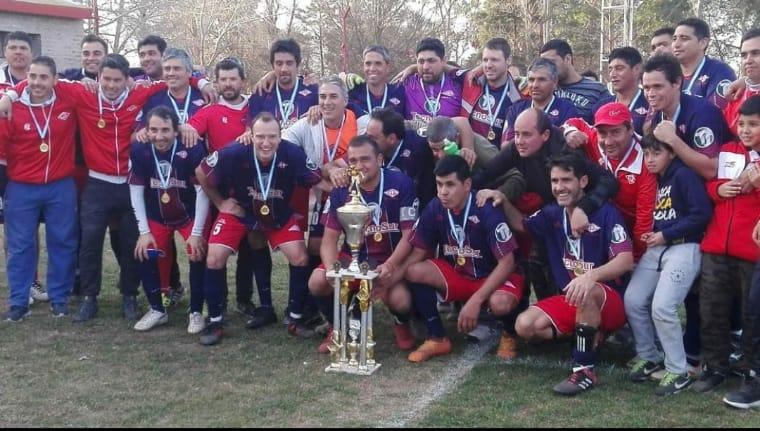 Fútbol Senior: Libertad venció a Central en los penales y se consagró campeón de la Supercopa