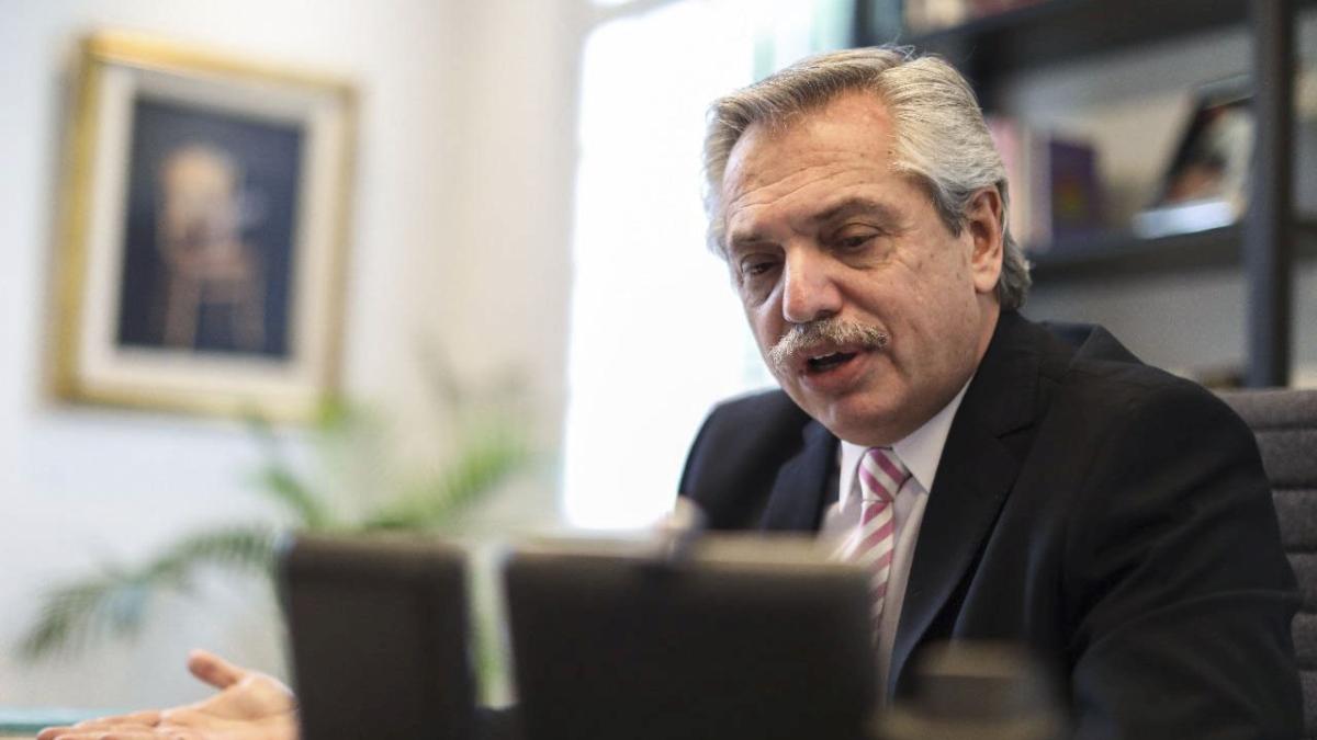 En la reunión con gobernadores, Fernández señaló que el epicentro de la segunda ola es el AMBA