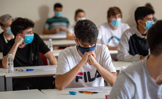 UEPC pidió volver a la educación a distancia y suspender temporalmente la presencialidad