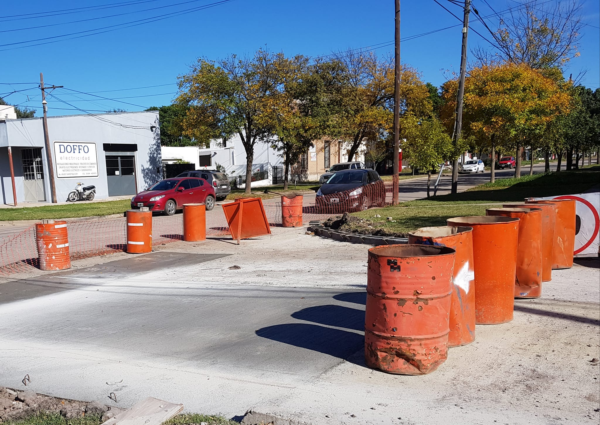 La Carlota: Se realizan trabajos de acondicionamiento de infraestructura vial