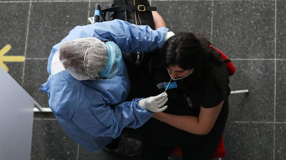 Coronavirus: 4 nuevos contagios en La Carlota; 2.546 positivos y 21 decesos en la provincia de Córdoba; y 25.976 casos y 490 fallecidos este martes 11