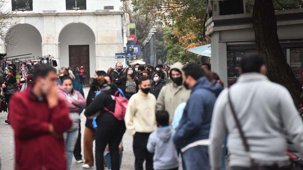 Martes con récord de casos de Covid-19 en Córdoba y Argentina: 3 contagios en La Carlota; 4.032 positivos y 25 fallecidos en la provincia; y 745 enfermos y 35.543 muertes en el país
