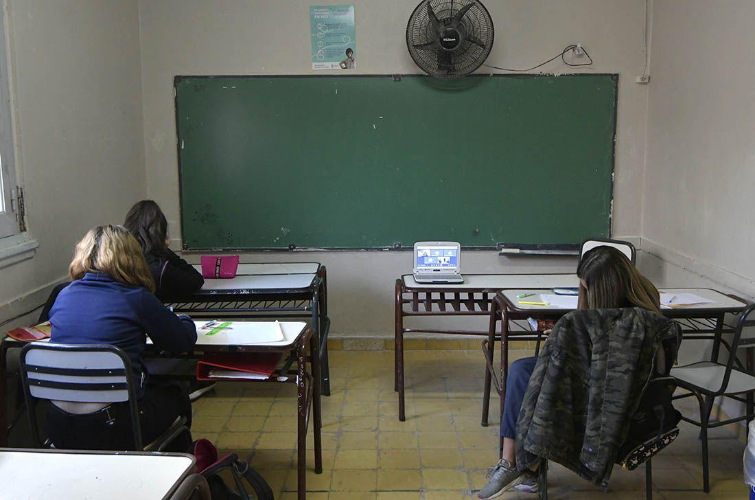 Otra polémica en la educación: el Gobierno propone que los chicos tampoco repitan en el 2021