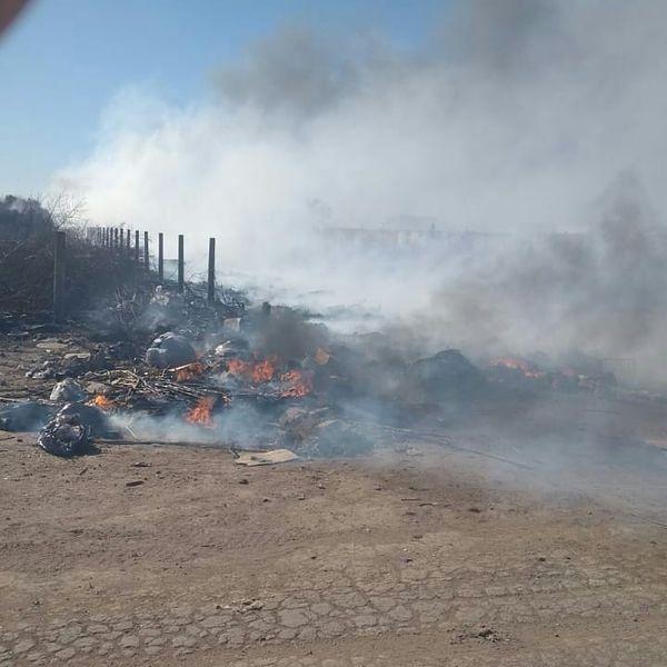 La Carlota: Bomberos Voluntarios controlaron un incendio en el basural municipal