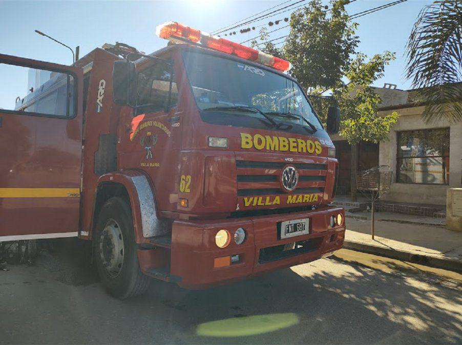 Villa María: Bomberos rescataron a un bebé que se ahogaba