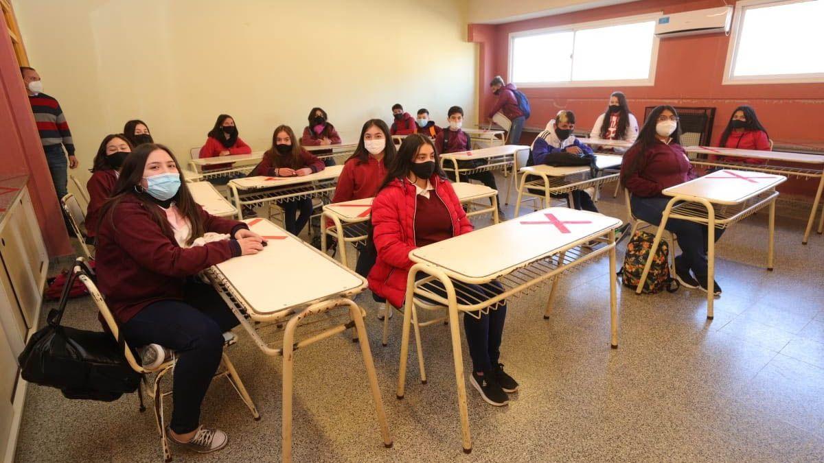 Juan Schiaretti celebró la llegada del gas a escuelas de la provincia