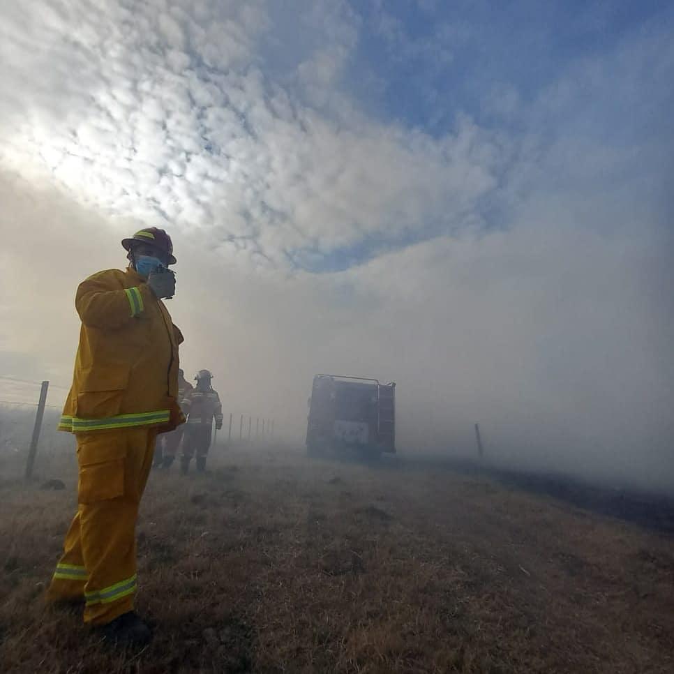 Bomberos Voluntarios de La Carlota sofocaron un incendio en zona rural