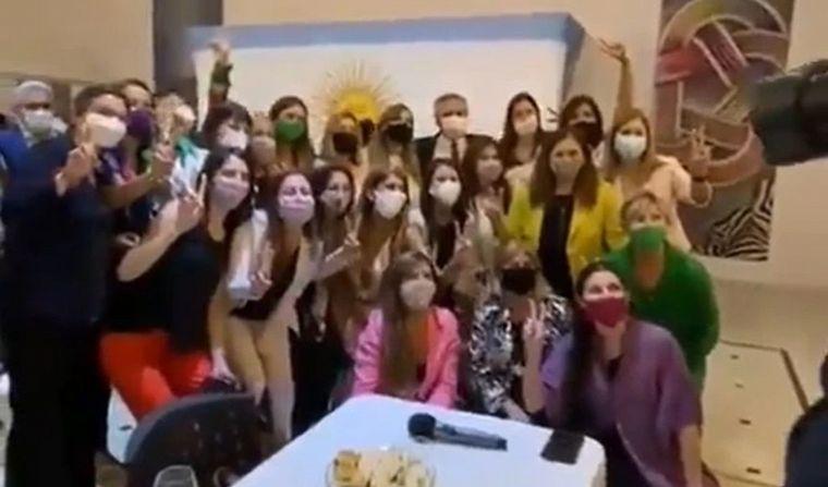 Fiestas en Olivos: difunden videos del cumpleaños de Fabiola Yañez y de la celebración de fin de año del Frente de Todos