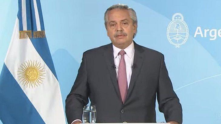 El Presidente anunció más flexibilizaciones, recuperación económica y vuelta del público a eventos masivos